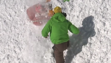 Should ski guides be required to wear avalanche airbags?