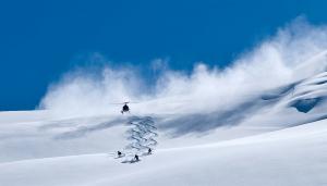 Heli skiers